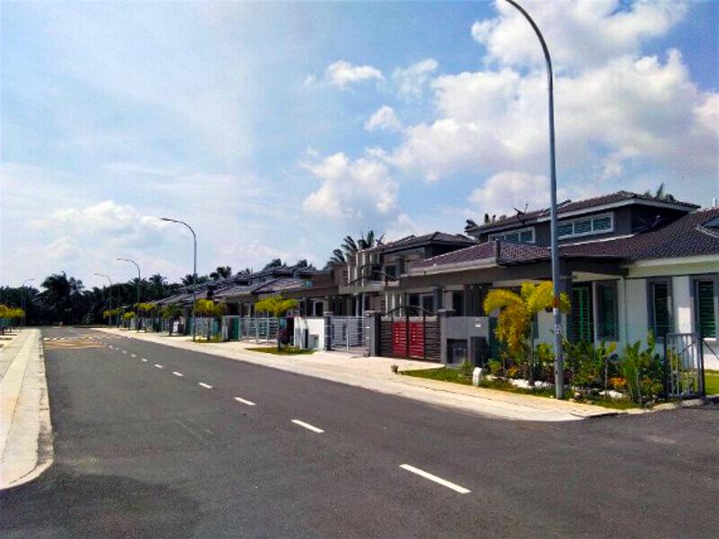 Lot 4725, 4726 & 4727 Single Storey with Jack Roof @ Pekan Meru