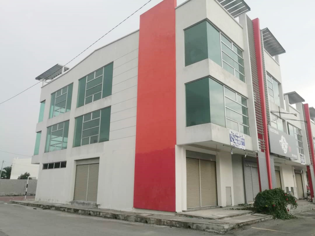 Lot 75, Three Storey Shop @ Kuala Selangor