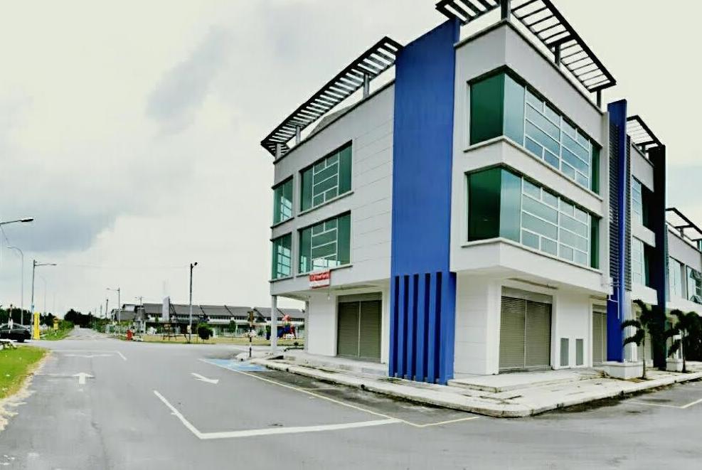 Lot 73, 3 Storey Shop Lot @ Kuala Selangor